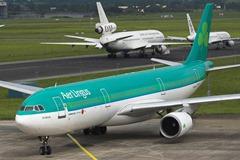 aerlingus plane runway