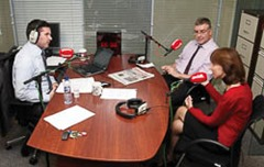 Conal O'Boyle and Carlow County Council director of services Bernie O'Brien interviewd by Newstalk's Jonathan Healy when Newstalk broadcast live from The Nationalist's offices during Local Newspaper Week 2012 Pic: Michael O'Rourke
